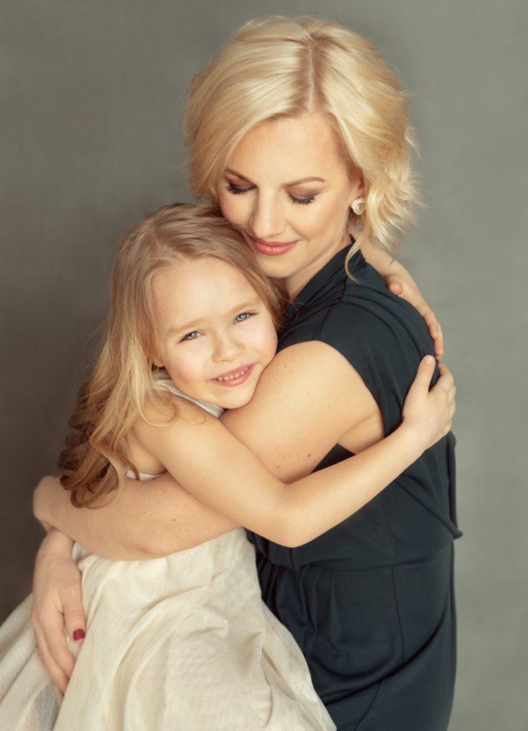 Mātes un meitas fotosesija